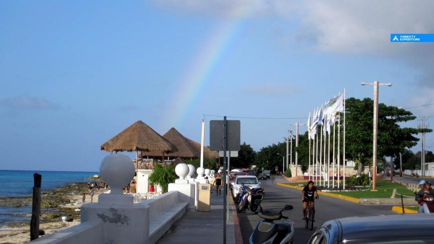 Улицы острова Косумель, Ривьера Майя, Юкатан.  www.yuriev.tv