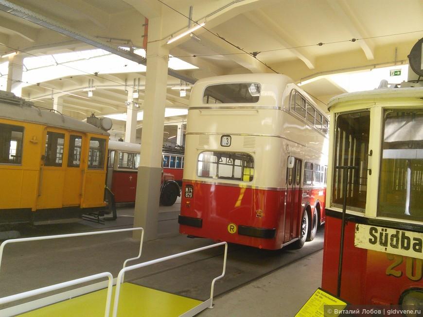 Ретро транспорт. Автобусы и трамваи, перевозившие пассажиров в 50-х - 60-х годах 20 столетия.