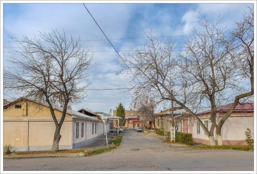 стандартные улочки города в районах с частным сектором.