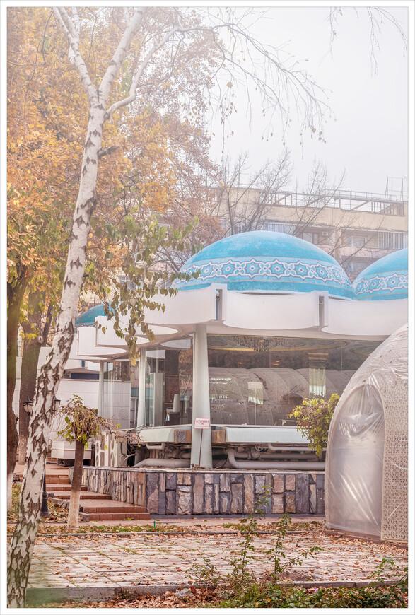 """Фрагмент ресторана """"Голубые купола"""",построенного в 1970 году."""
