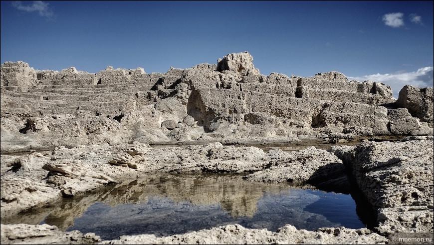 Древний амфитеатр на берегу
