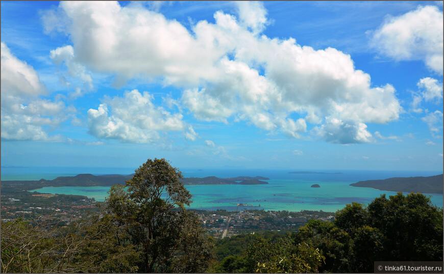 Виды на бухты  Андаманского моря со смотровой площадки Большого Будды.