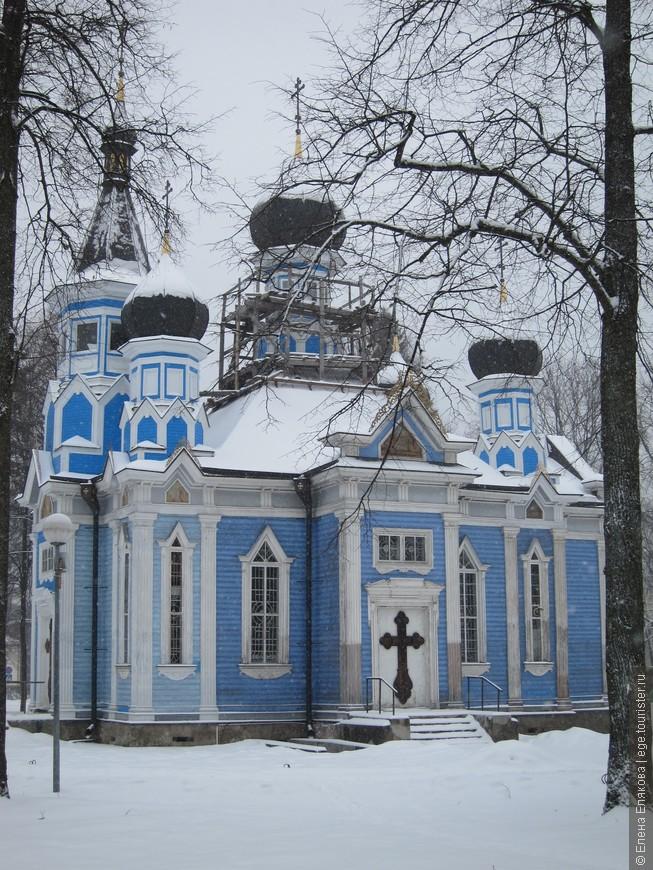 """Церковь иконы Божией Матери """"Всех скорбящих Радосте"""". Построена в 1865 году. Сейчас реставрируется на пожертвования."""