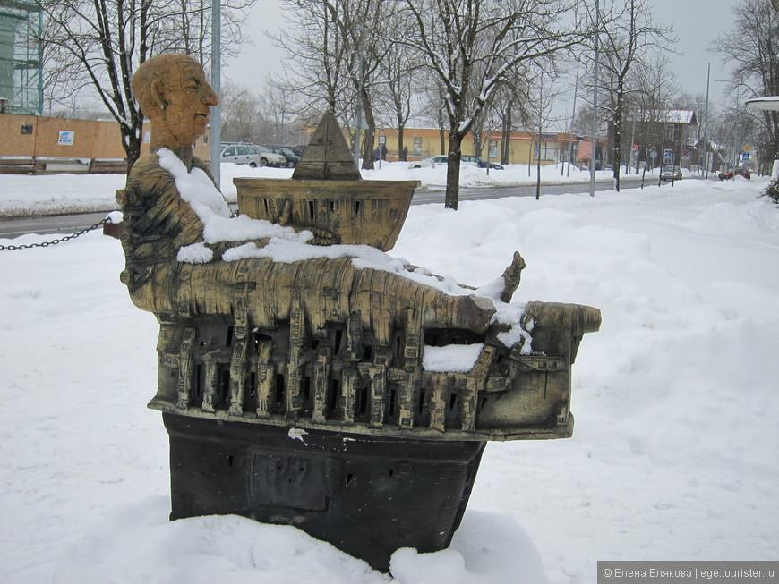 Скульптура на Вильнюсской аллее