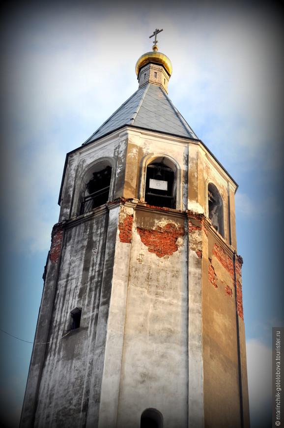 Воскресенская церковь в Клину, являющаяся одной из главных достопримечательностей, была построена в 1712 году на средства прихожан на месте предшествующей деревянной.