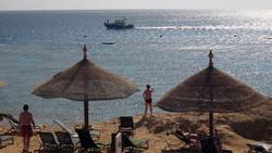 Пляжи Шарм-эль-Шейха разрешили открыть, установив наблюдение за акулами