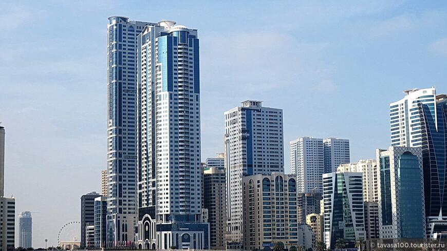 С точки зрения применения современных архитектурных решений, Шарджа не уступает другим городам Арабских Эмиратов.