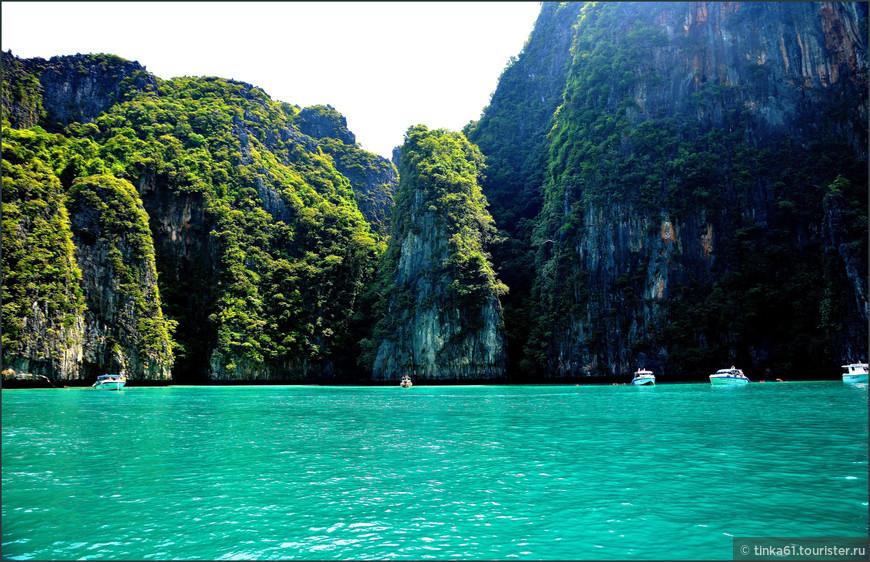Очень красивый и насыщенный цвет воды.