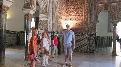 С клиентами В Севильском Алькасаре