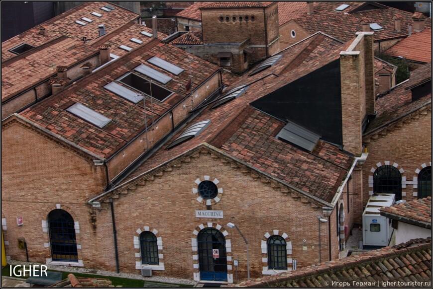 как всегда в моем случае фото прогулка начинается с крыши коммунальной парковки,кстати стоимостью в 26 евро