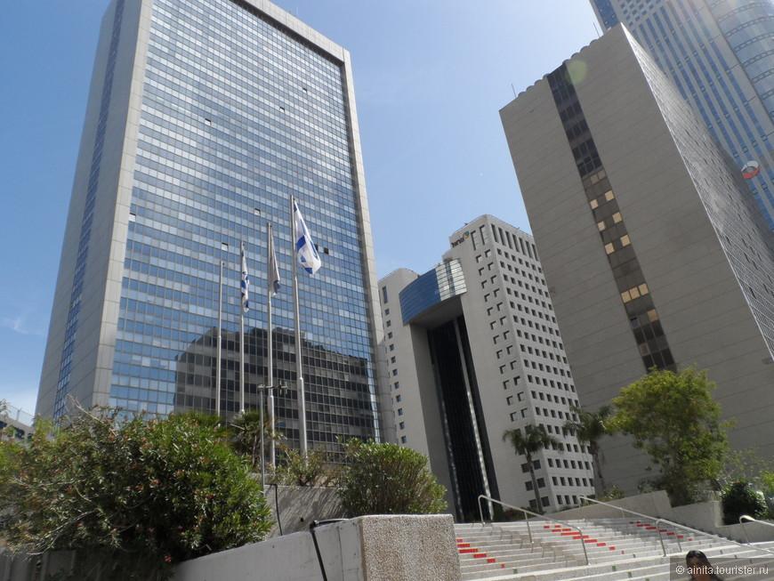 """В программу нашей экскурсии в Яффо входило посещение  алмазной биржи. """"Алмазная биржа Израиля  — частная компания, предоставляющая услуги, связанные с обработкой алмазов и торговлей бриллиантами. Расположена в комплексе из 4 зданий, расположенных в Рамат-Гане (Израиль). В ассоциацию входит более 2,8 тыс участников.(Википедия)"""""""