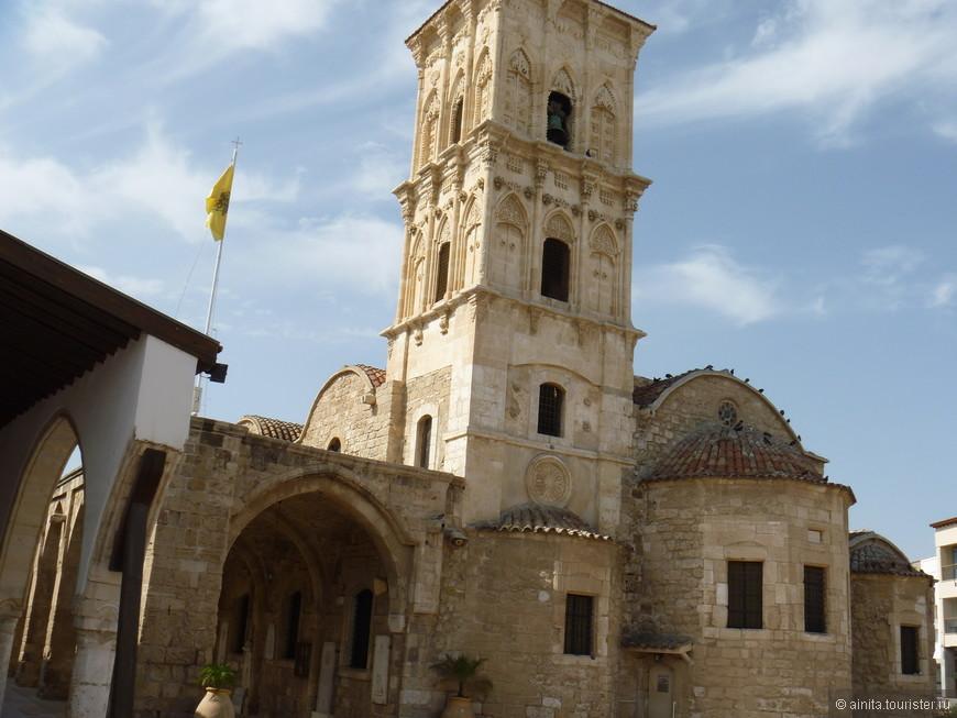 Строительство церкви Святого Лазаря в центре Ларнаки относится к концу IX века и восходит к православной легенде о воскрешении Христом Лазаря.