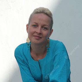 Александра Азарова