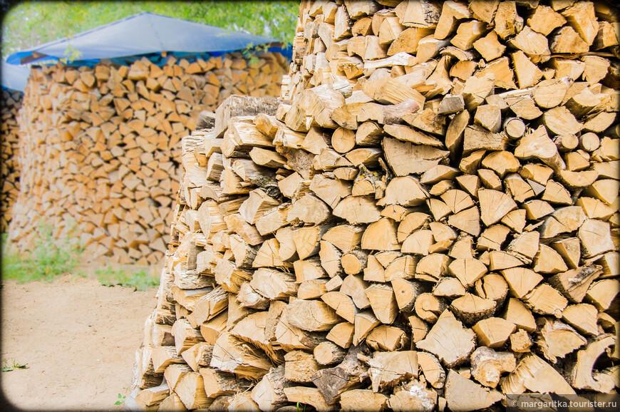 заготовки дров на территории Никольских храмов
