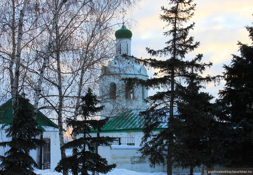 Вечереет. Иоанно-Предтеченский монастырь.
