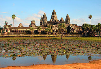 Кхмеры и их храмы.