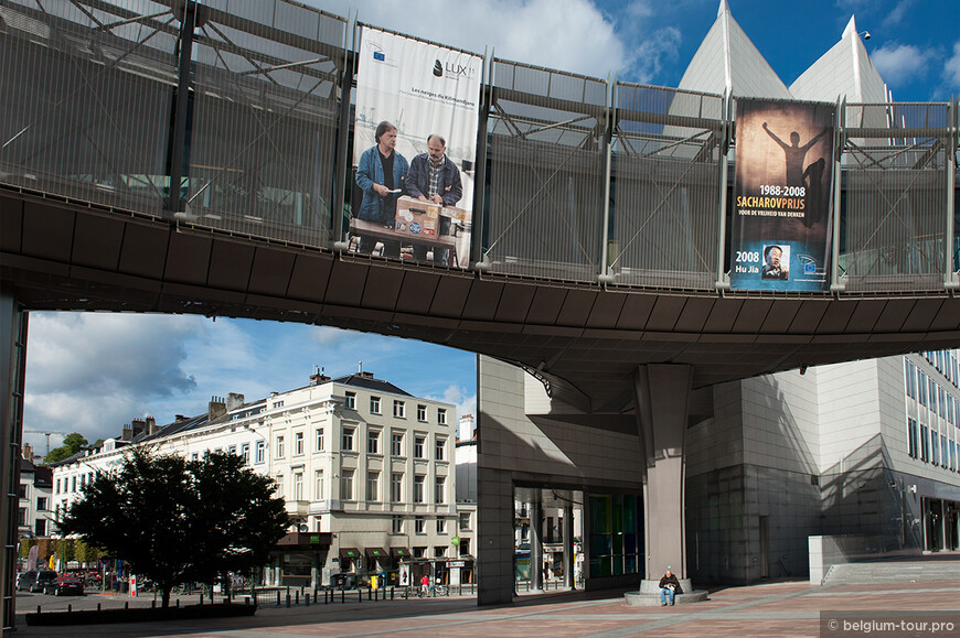 J-_Бельгия-осень-2012-!!!!!_07окт2012-брюссенль-евроквартал__DSC0462.jpg