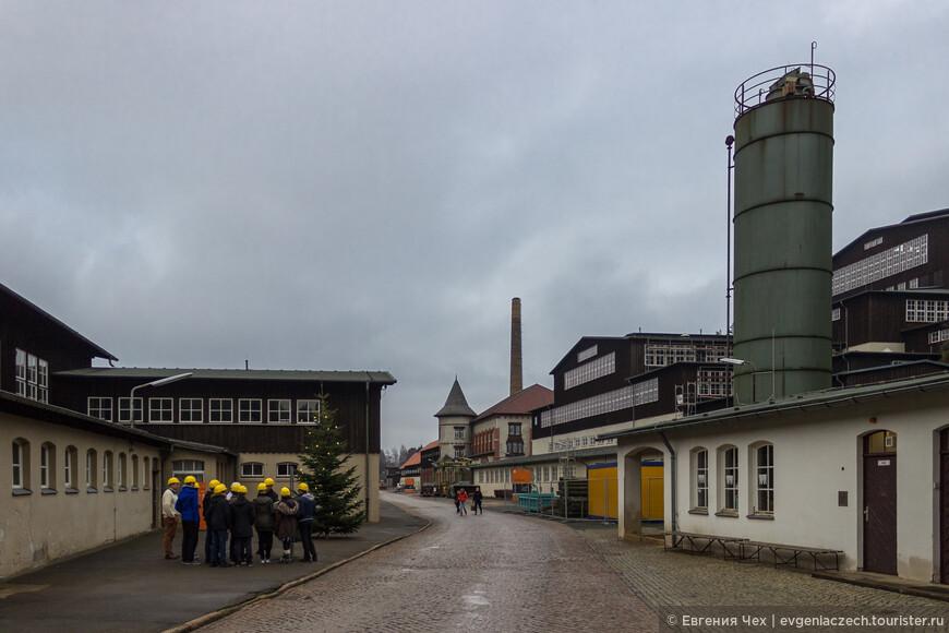По территории рудника проводятся экскурсии в маленьких группах.