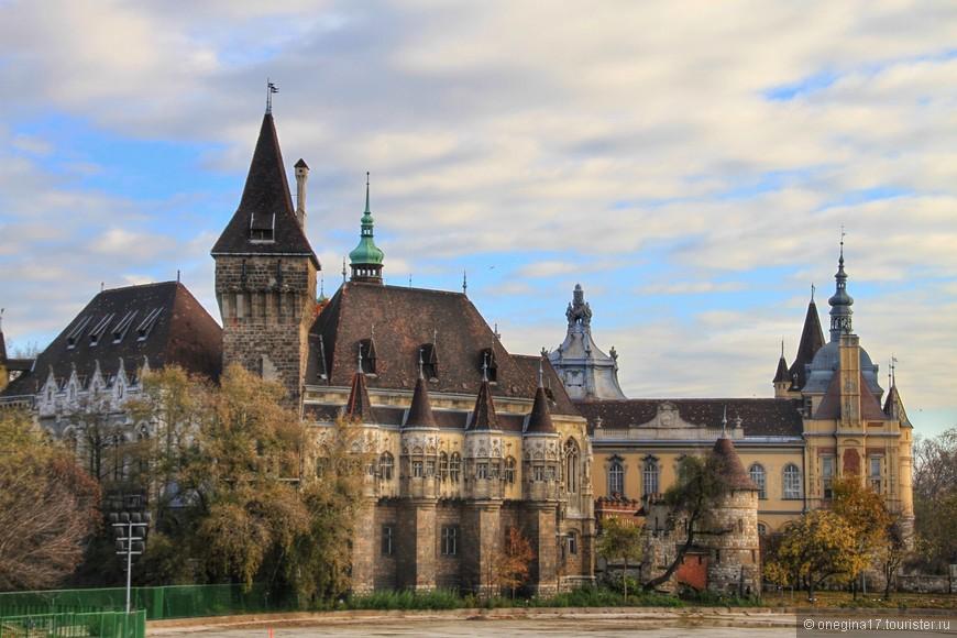 Замок Вайдахуняд.