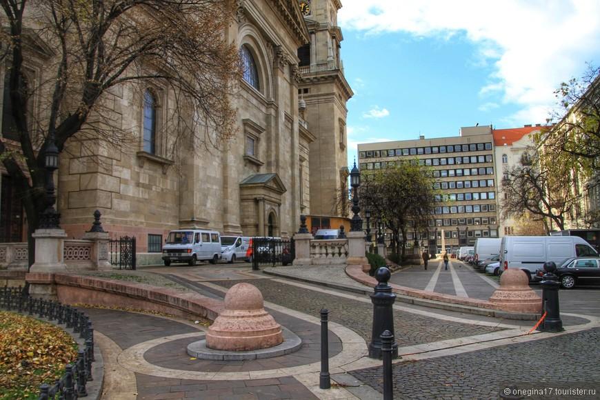 У базилики Святого Иштвана.