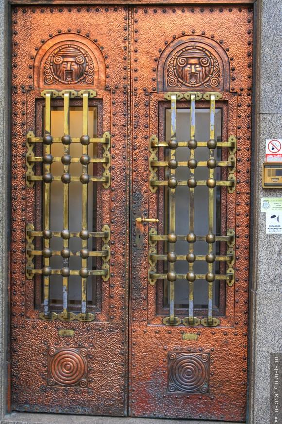 Это не просто двери - это произведение искусства!