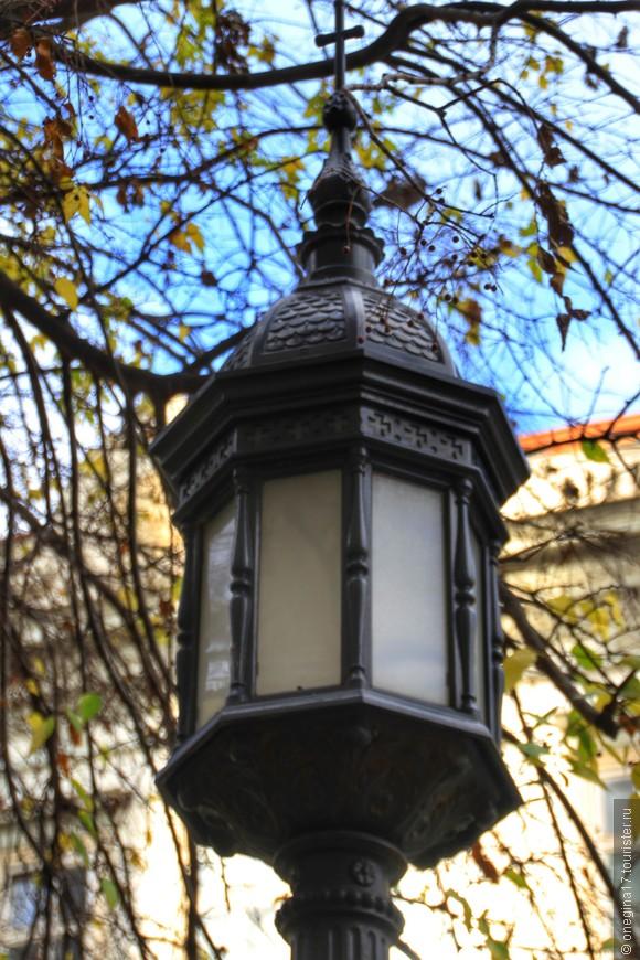 Еще один фонарь...