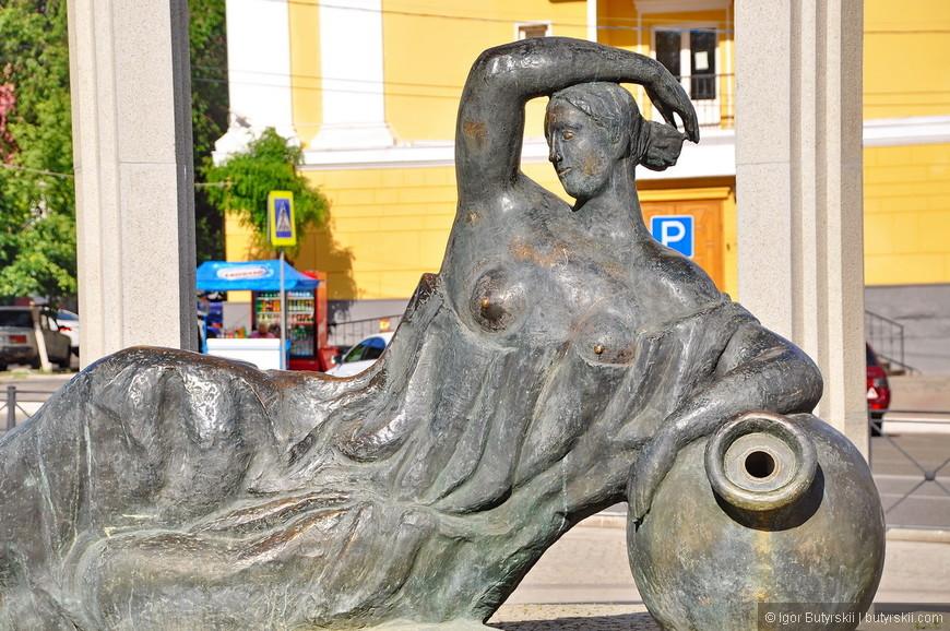 02. В историческом центре города располагается Астраханский кремль. Рядом множество интересных объектов.
