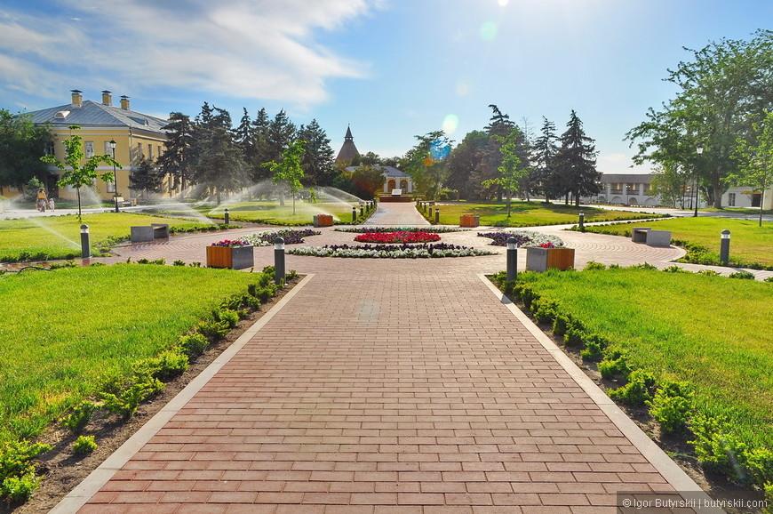 07. Приятный, чистый, красивый внутренний парк.