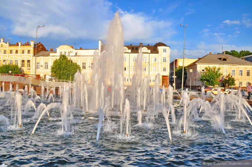 21. В городе множество фонтанов.