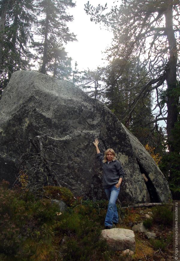 И вот они, сейды... Огромные камни-валуны, происхождение которых до сих пор считается загадкой... На Воттовааре их концентрация так и вообще зашкаливает...