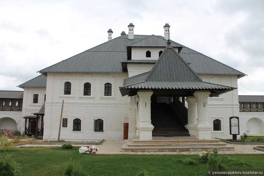 Монастырское училище.