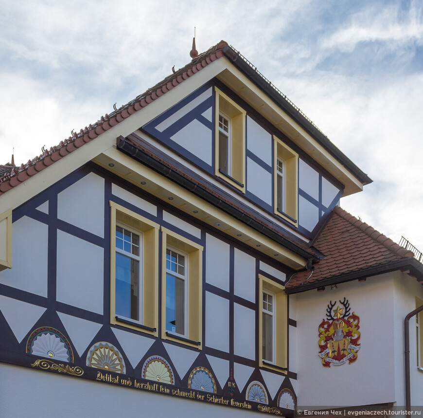 Традиционный фахверк Харца - розетки-полусолнца.
