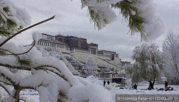 Дворец Потала, в Лхасе первый снег