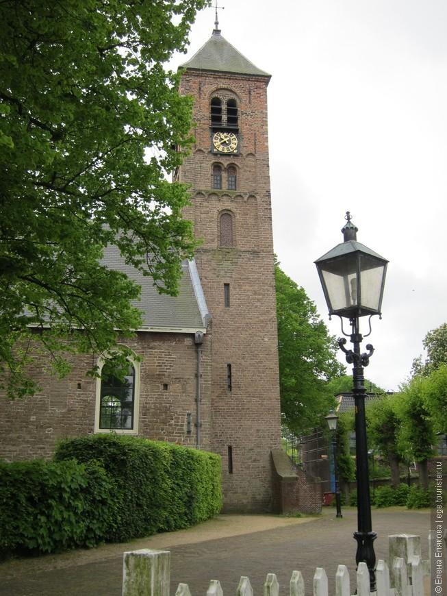 Протестантская церковь в Велсене, самая старая в Голландии
