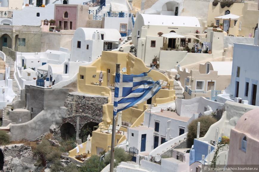 Греческие флаги везде и повсюду!