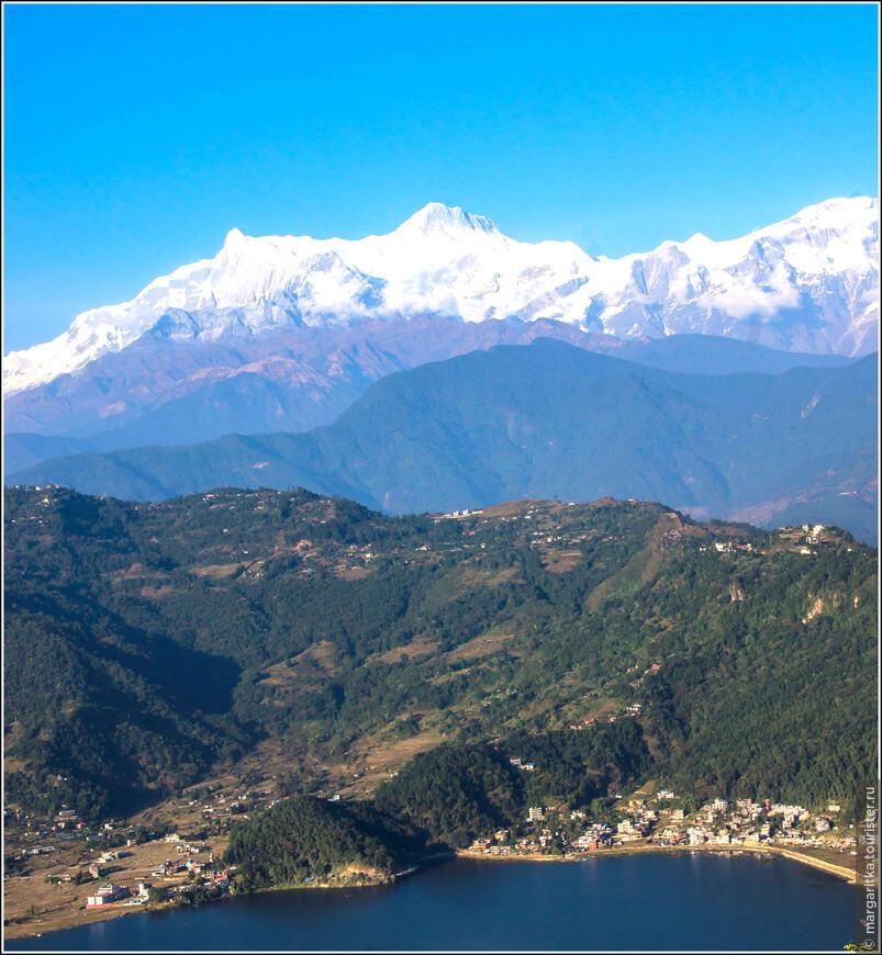 Annapurna IV - 7.525 m Annapurna II - 7.939 m Lamjung Himal - 6.986 m