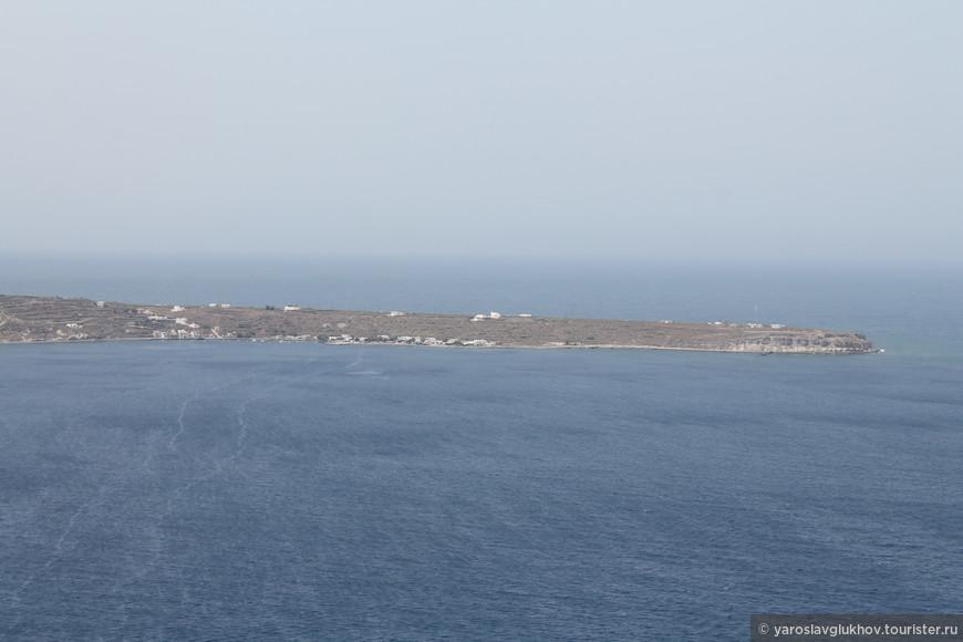 Мыс на острове Тирасия.