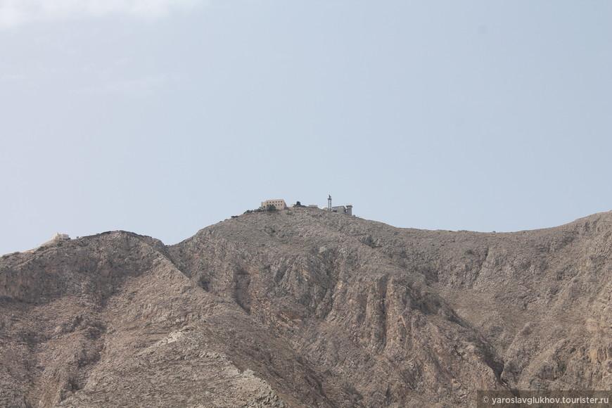 Православный монастырь на горе возле Периссы. Там находится военная база НАТО.