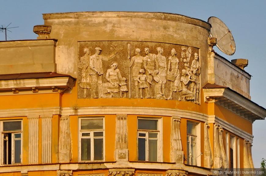 02. Фрески на зданиях, люблю такое. Мелочи, детали...