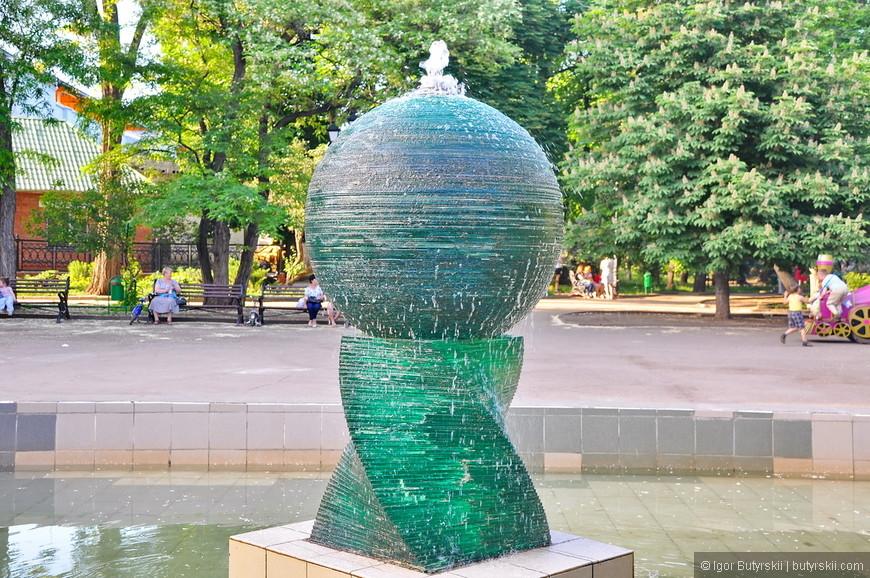"""17. Симпатичный фонтан в парке """"Липки""""."""