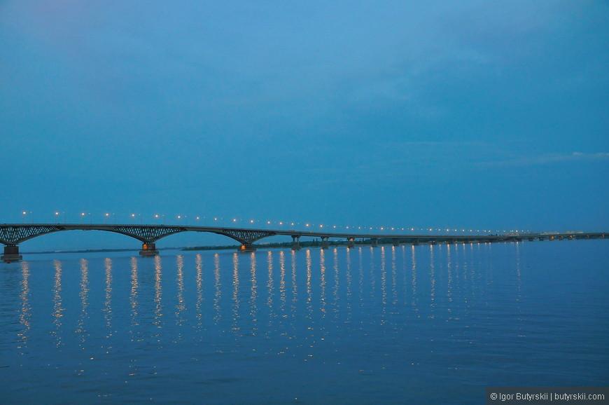40. Один из самых красивых мостов через Волгу. Саратовский мост на момент открытия в 1965 году был самым длинным мостом в Европе (его длина — 2825,8 метров). Интереснейший и приятный город, советую к посещению!