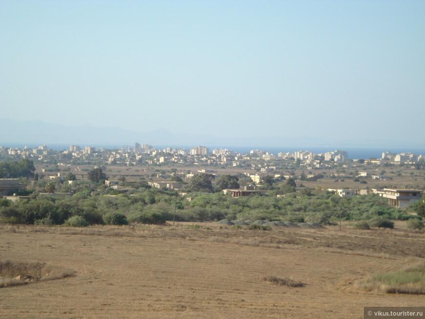 Вид со смотровой площадки в Паралимни.