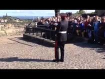 Edinburgh Castle 1O'Clock Gun tradition, 05:31