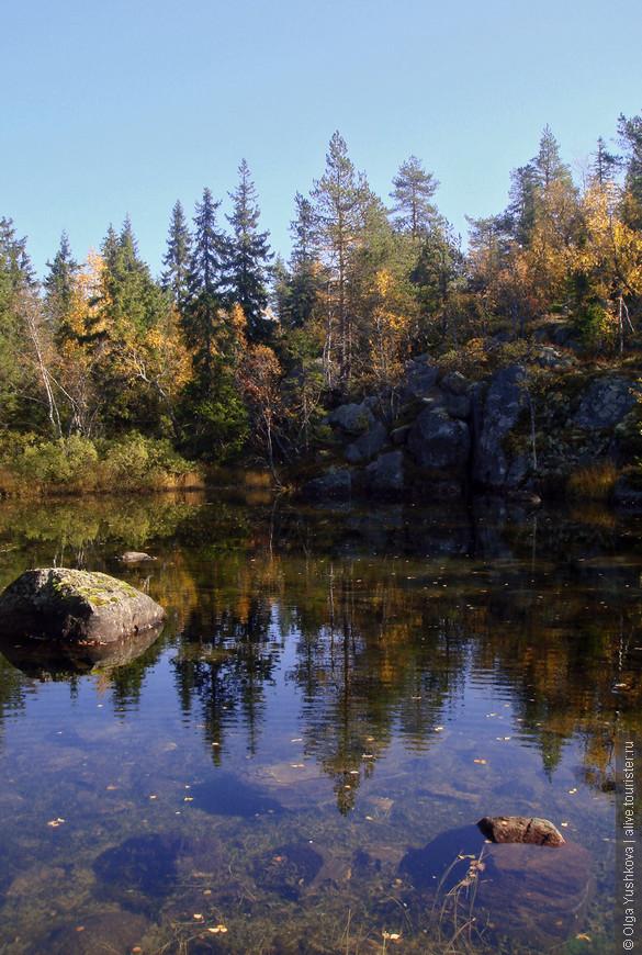 Вот оно, озеро, - во всей своей красе... Кто-то из наших умудрился там даже искупаться )))