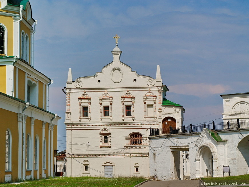 08. Дворец Олега, вид с торца.