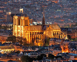 Российские туристы не испугались терактов в Париже