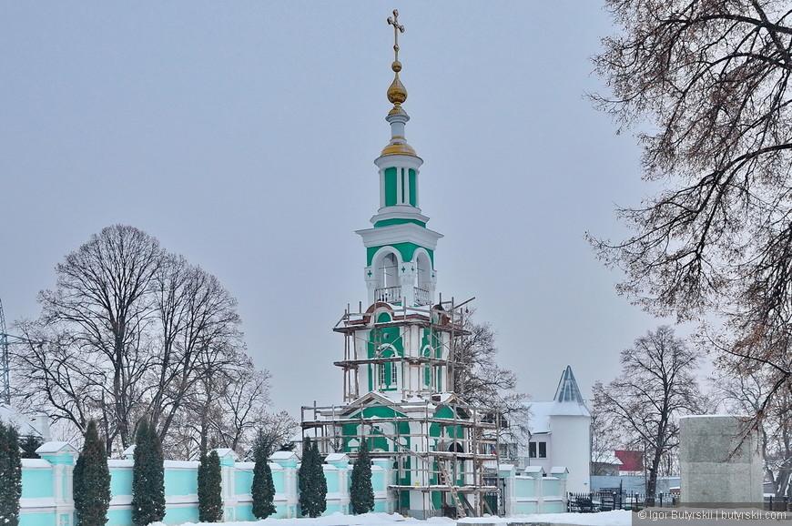 09. В 1931-1932 гг. разобрана соборная колокольня. Восстановлена недавно.