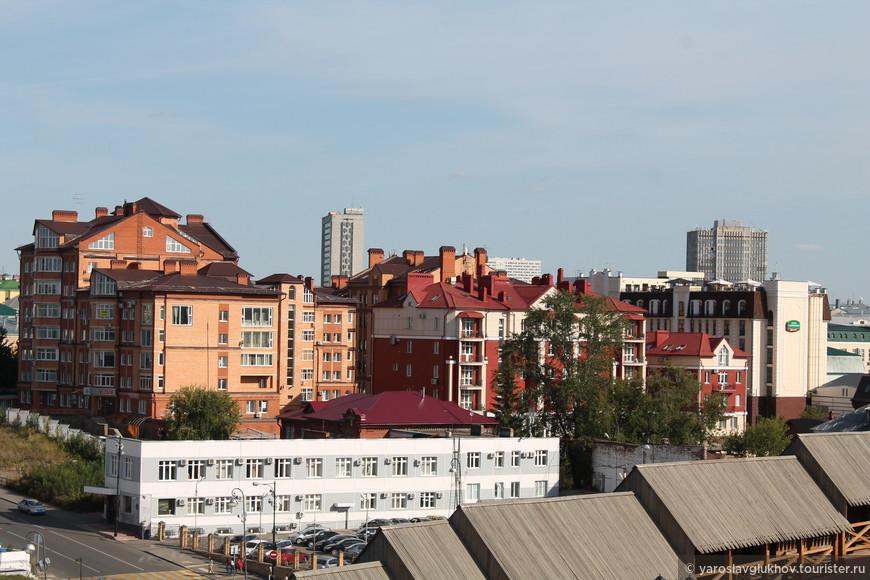 Вид на центр города из Кремля.