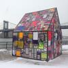 Экскурсия по Бруклину на русском языке - красивый домик на фоне мостов