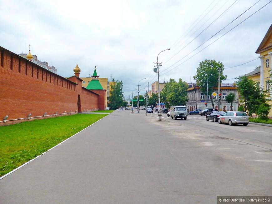 34. В городе, также, есть кремль. Царевококшайский Кремль. Он ново построенный, но сделан по мотивам старинного.